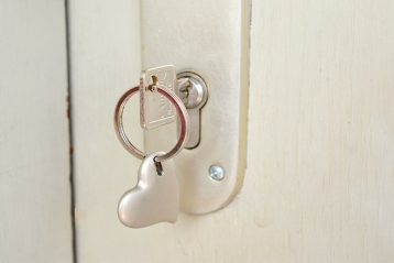 house key heart keyring