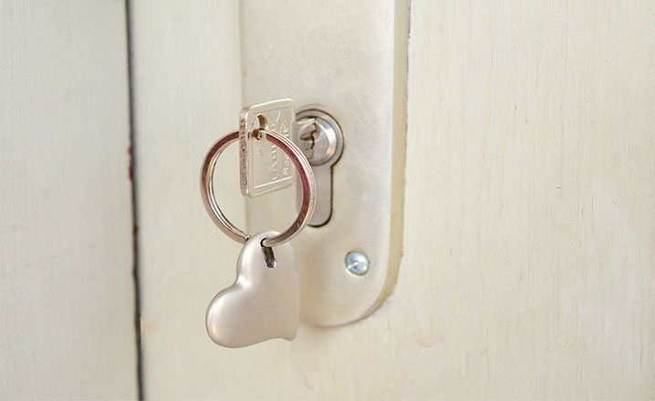 house key heart keyring