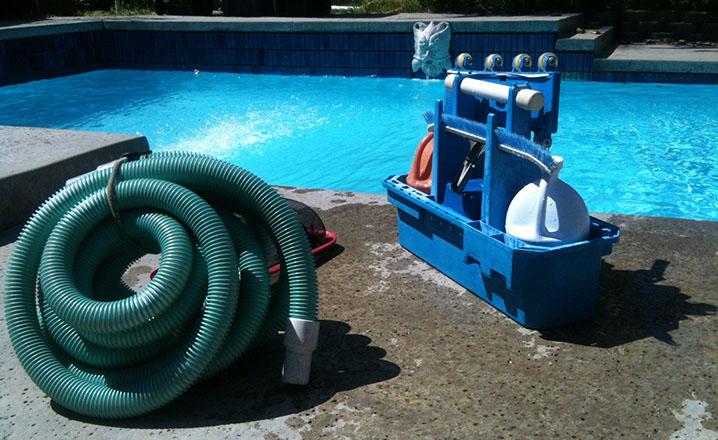 pool cleaning vacuum machine