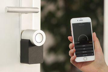 smart lock smartphone app